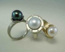 Kehla-3-pearl-rings-250x200