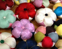 Silk-and-linen-pin-cushions-by-Hyesuk-Kim-3-250x200